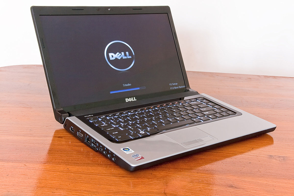 There are many Dell laptops out there ... which model is right for you? ... photo by CC user Someformofhuman on wikimedia commons