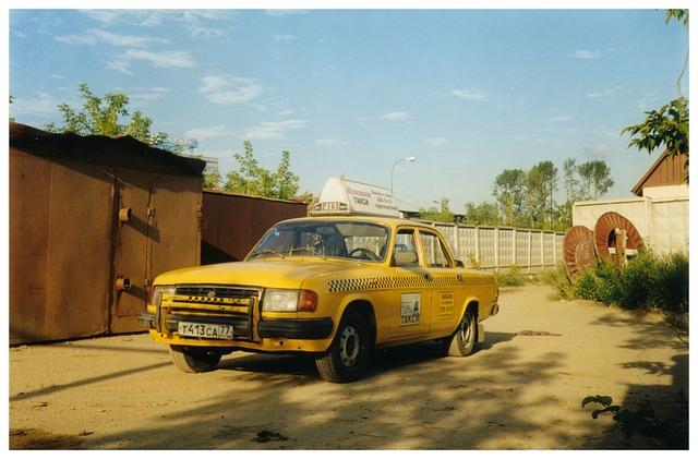 taxi-1163182_640