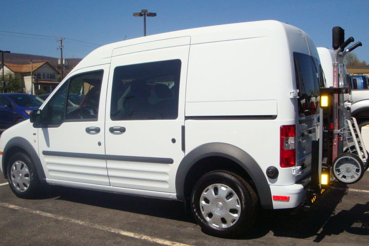1280px-Ford_Transit_parcel_van_HTS_Systems_HTS-20SFT_Ultra-Rack