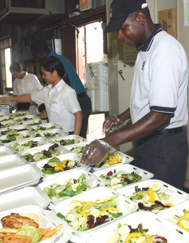 Contracted_food_service_workers_prepare_meals_for_detainees_at_the_U.S._detention_facility_in_Guantanamo_Bay,_Cuba