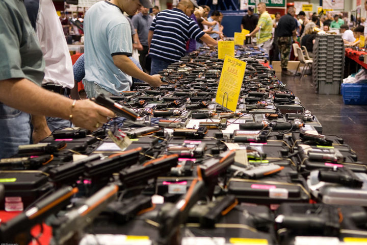 1024px-Houston_Gun_Show_at_the_George_R._Brown_Convention_Center