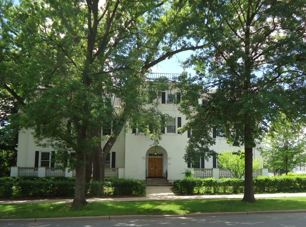 UU_Rutgers_University_fraternity_house_on_College_Avenue_with_trees